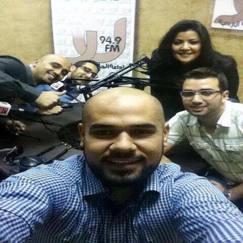 صورة سيلفي شباب أردني - برنامج معكم حول الحدث مونت كارلو الدولية