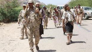 جنود موالون للرئيس عبد ربه منصور هادي في محافظة مأرب  1 أكتوبر 2015.