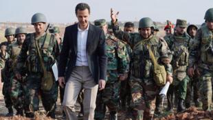 الرئيس السوري بشار الأسد يزور قوات الجيش السوري في محافظة إدلب الشمالية