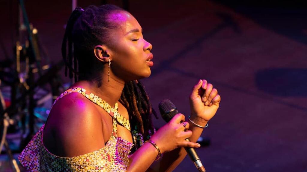 المغنية إليدا ألميدا