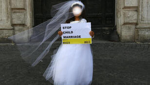 طفلة تقوم بحملة تحسيسية بخصوص زواج القاصرات-