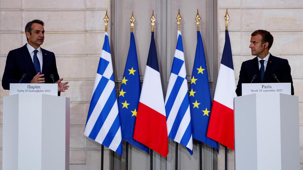 رئيس الوزراء اليوناني كيرياكوس ميتسوتاكيس في باريس