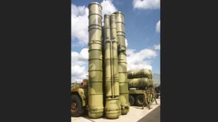 نظام الدفاع الصاروخي الروسي إس-300