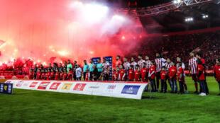كرة القدم اليونانية