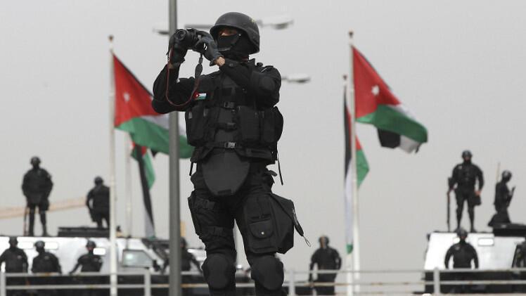 عناصر من قوات الامن الأردنية