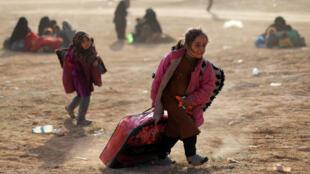 أطفال نازحون، الباغوز، دير الزور، سوريا