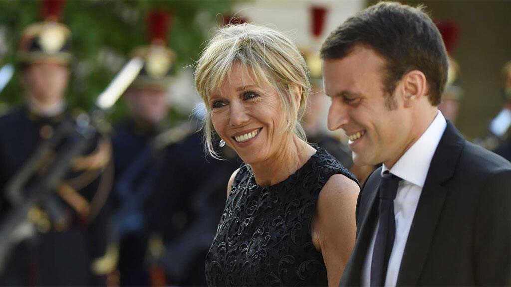 إيمانويل ماكرون وزوجته بريجيت