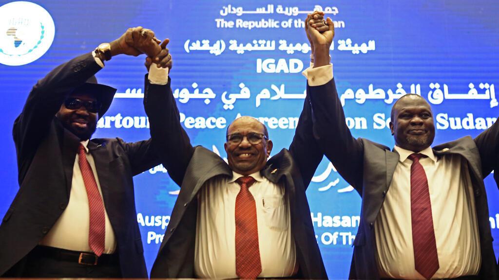صورة التقطت خلال اتفاق الخرطوم