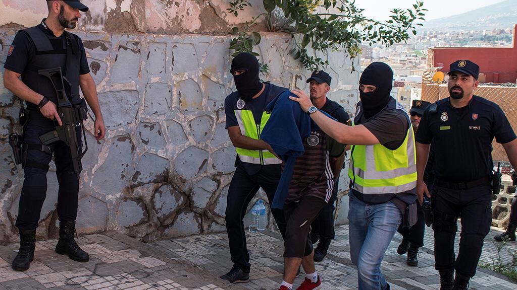 الشرطة الإسبانية توقف مشتبها به