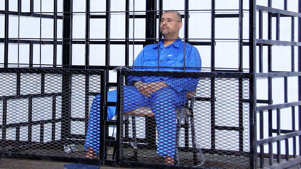 سيف الإسلام القذافي خلال محاكمته في زنتان عام 2014
