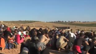 عائلات سورية عالقة على الحدود الأردنية