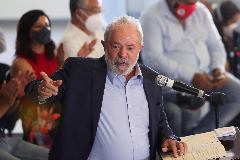 2021-04-15T221424Z_733229227_RC2MWM99JQ9A_RTRMADP_3_BRAZIL-POLITICS-LULA