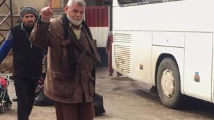 خروج مسلحي حي الوعر في مدينة حمص في 18-03-2017