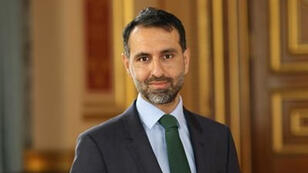 سفير بريطانيا في الخرطوم عرفان صديق