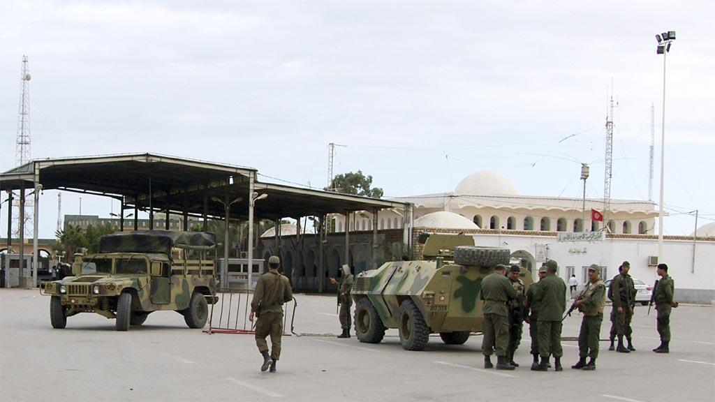 عناصر من الجيش التونسي في بن قردان