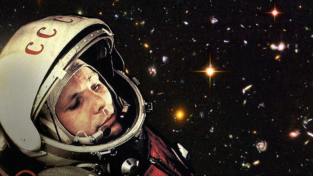 يوري غاغارين، أول إنسان يقوم بالدوران حول الأرض عام 1961-