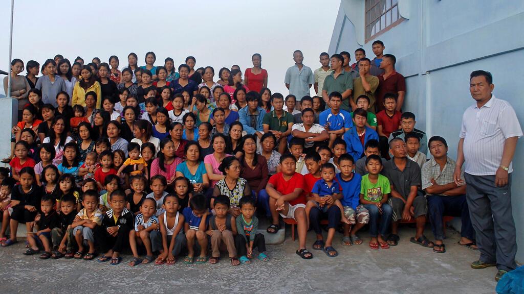 الهندي زيونغاكا تشانا رب العائلة الأكبر في العالم