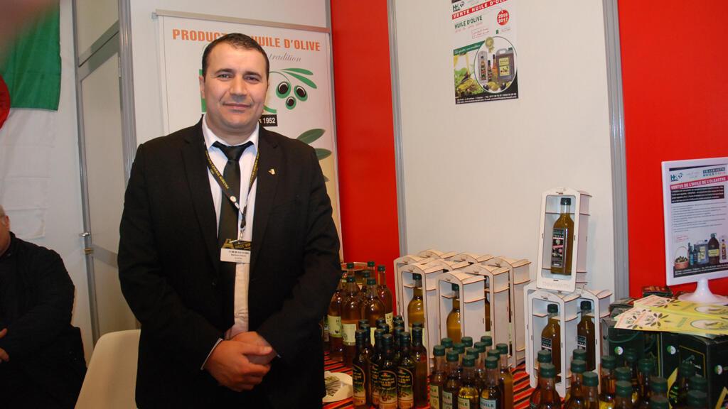 مخلوف شعلال، المكلف بمشاركة الجزائر في عدة معارض دولية منها المعرض الزراعي الدولي الباريسي  (مونت كارلو الدولية)