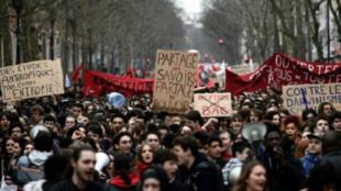 / احتجاج طلبة فرنسيين على اصلاحات ماكرون في 22 مارس آذار 2018