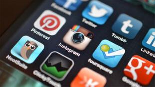 تطبيقات للتواصل الاجتماعي