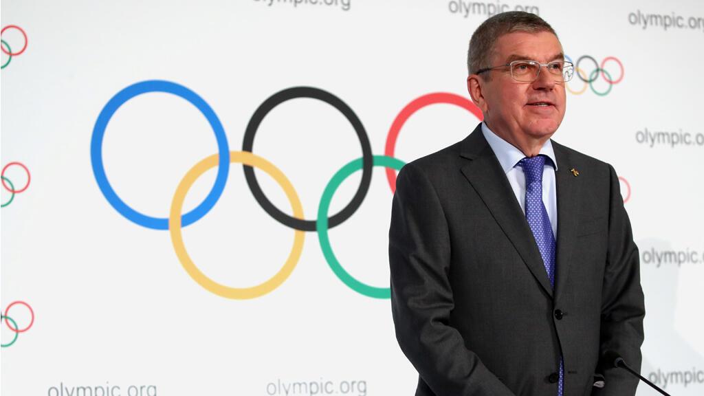 رئيس اللجنة الأولمبية الدولية يحضر مؤتمرا صحفيا بعد اجتماع المجلس التنفيذي في لوزان-