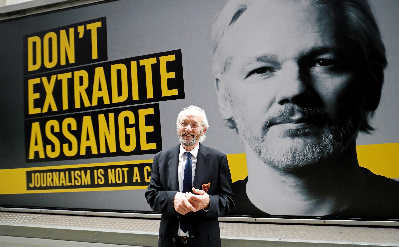 julian assange pere