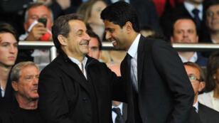 رئيس نادي باريس سان جرمان ناصر الخليفي والرئيس الفرنسي السابق نيكولا ساركوزي