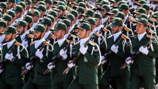 فرقة من الحرس الثوري الايراني في عرض عسكري