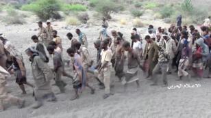 موالون للحكومة في اليمن تم أسرهم من قبل الحوثيين