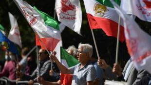 المعارضة الإيرانية تنظم تظاهرات في عدد من المدن الإيرانية بسبب التضخم الإقتصادي