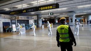 تطهير المطار في اسبانيا