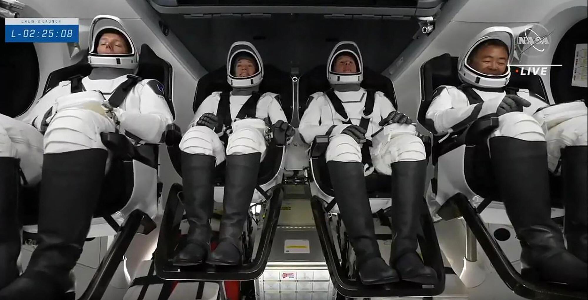 espace cosmonautes 23 04 2021