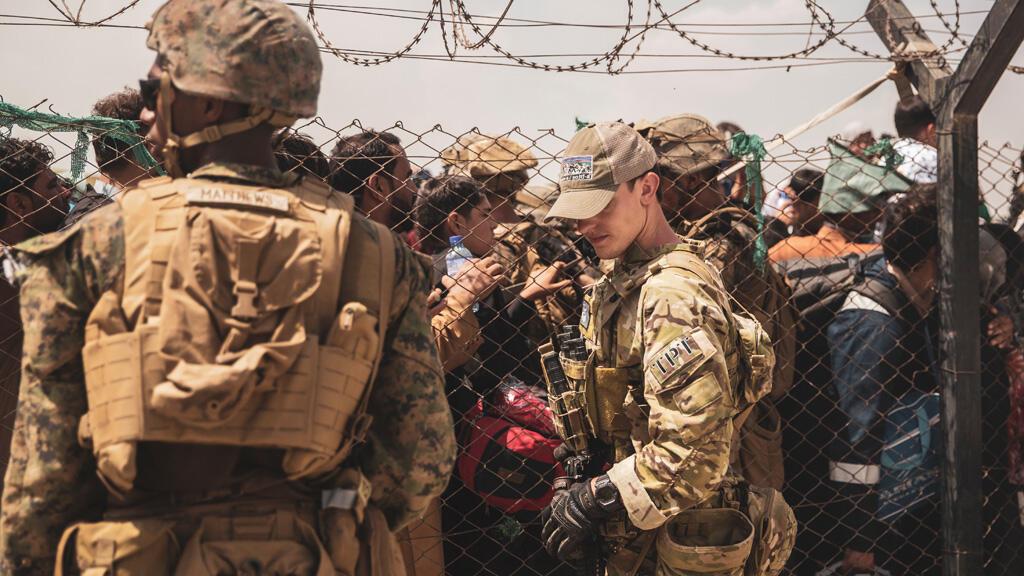 القوات الأمريكية في مطار كابول