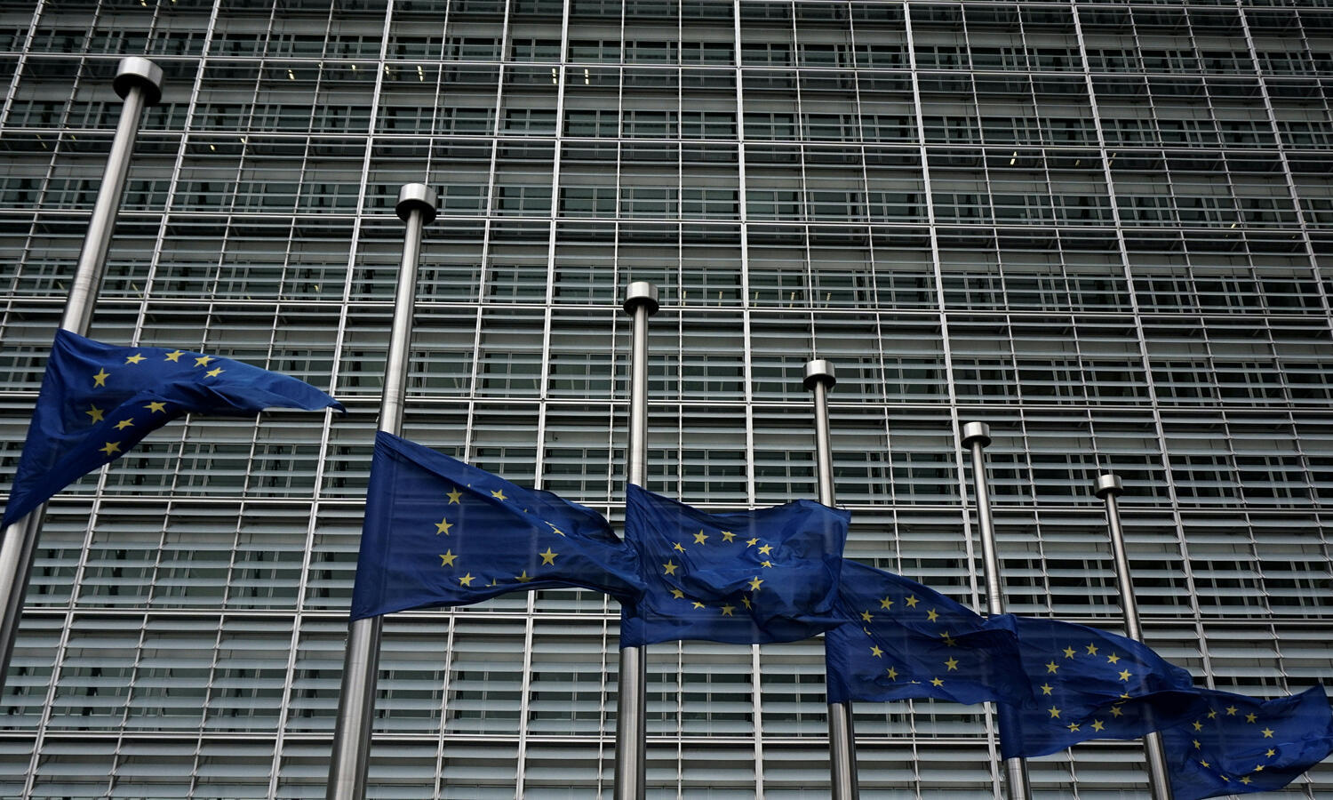 drapeaux-_union-européenn_-Commission-européenneBruxelles_afp