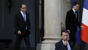 الرئيس الفرنسي فرانسوا هولاند عقب اجتماع مع مسؤولي الأمن في 15 يوليو 2016 في قصر الإليزيه