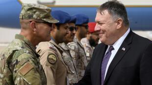 مايك بومبيو يتفقد القوات الأمريكية في السعودية يوم 20 فبراير-شباط 2020