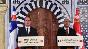 كاستيكس والمشيشي في تونس