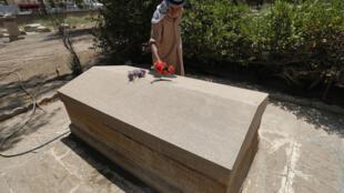 """قبر البريطانية غرترود بيل التي أسهمت في وضع أسس """"العراق الحديث"""""""