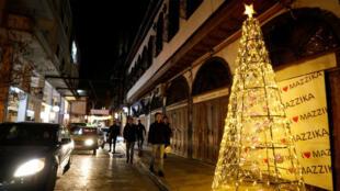 أحد شوارع دمشق المزينة