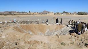 حفرة خلفتها الغارات الجوية السعودية، صعدة، اليمن (13-01-2018)