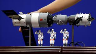 """نموذج مصغر من المحطة الفضائية الصينية """"تيانغونغ-1"""""""
