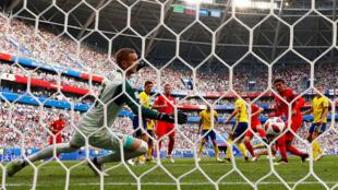 الهدف الأول لصالح انكلترا أمام السويد