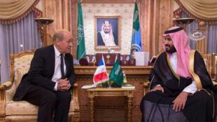 نائب ولي العهد الأمير محمد بن سلمان  يلتقي وزير الدفاع الفرنسي جان ايف لو دريان في الرياض.