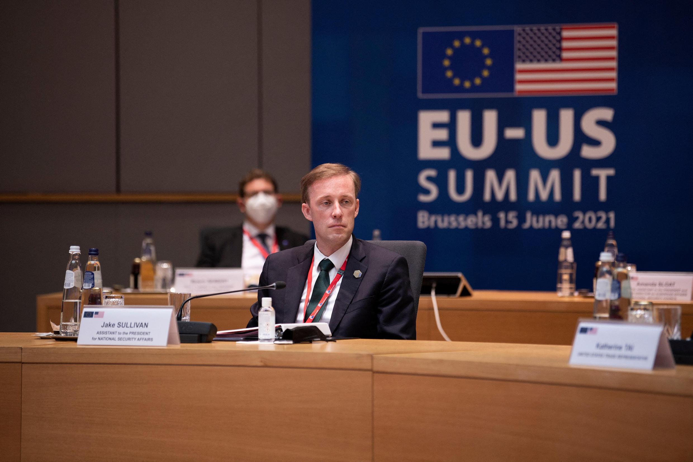 مستشار الأمن القومي جيك سوليفان قبل قمة الاتحاد الأوروبي والولايات المتحدة في مقر الاتحاد الأوروبي في بروكسل، في 15 يونيو 2021