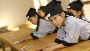 صورة تعبيرية: تلميذات صينيات