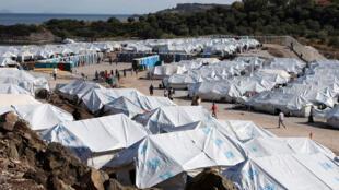 مخيم لاجئين ومهاجرين في ليسبوس اليونانية