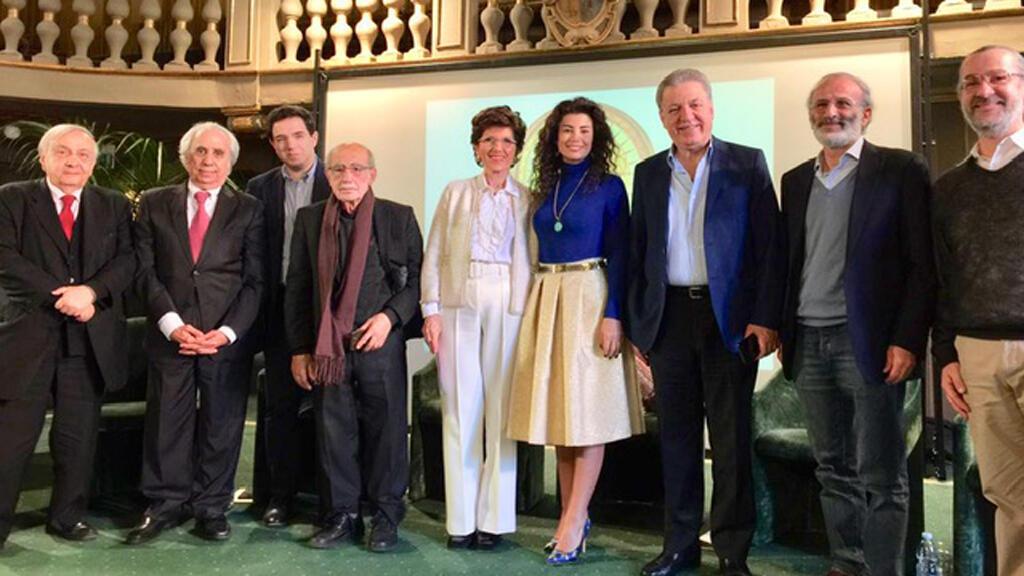 مجموعة الشعراء المشاركين في الأكاديمية العالمية للشعر، فيرونا، إيطاليا