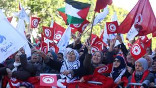 مظاهرات بشارع الحبيب بورقيبة في العاصمة التونسية يوم 14 يناير 2018
