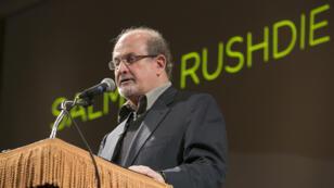 الكاتب البريطاني سلمان رشدي