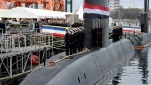 الغواصة الألمانية S-43 أثناء وصولها  إلى البحرية المصرية في الإسكندرية